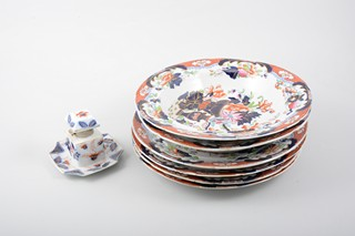 Four Victorian ironstone plates and two matching soup plates