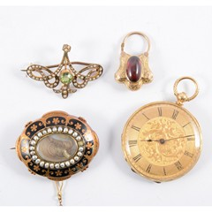 A tray of Victorian and later jewellery